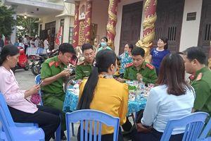 Đà Nẵng: Những bữa ăn phục vụ tổ lưu động làm căn cước công dân