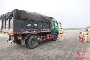 Hà Tĩnh: Phần lớn xe tự ý cơi nới thành thùng chở vật liệu xây dựng