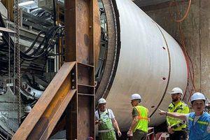 Cận cảnh 'quái vật' 850 tấn chạy thử nghiệm đào hầm ga S9 Kim Mã