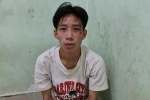 Thanh niên dùng dao khống chế tài xế xe buýt, đòi chở đi trốn gia đình