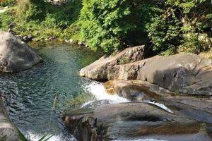 Thác Khe Vằn - Điểm du lịch hút khách ở vùng cao Quảng Ninh