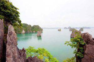 Vụng Hà - thiên đường của đá và nước ở Quảng Ninh