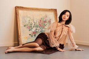 'Cô em Trendy' Khánh Linh hóa nàng thơ trong những bộ đầm từ chất liệu tái chế