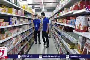 Các chợ tại Campuchia siết chặt phòng dịch