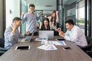Bài học kinh nghiệm và thực tiễn quản trị nhân lực tinh gọn trong một số doanh nghiệp Việt Nam
