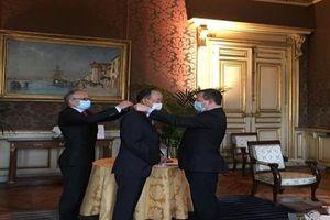 Đại sứ Nguyễn Thiệp được trao tặng Huân chương Bắc đẩu Bội tinh của Tổng thống Pháp