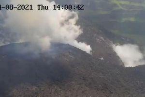 Núi lửa La Soufriere phun cột tro cao 10 km khiến hàng nghìn người phải sơ tán