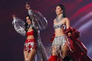 Hoa hậu Tiểu Vy làm 'vedette' trong concert Rap Việt, khoe múi bụng cực choáng