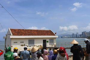 Thi thể người đàn ông trôi dạt trên vịnh Nha Trang