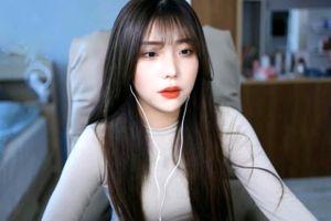 Nữ streamer bị quấy rối khi đang livestream