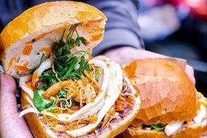 Bánh mì cóc và các món hình dáng độc lạ ở TP.HCM