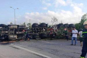 Tai nạn giao thông mới nhất hôm nay 11/4: Xe đầu kéo đâm chết 2 người rồi bỏ trốn
