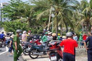 Phát hiện thi thể nam giới trôi dạt trên vịnh Nha Trang