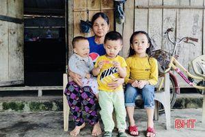Mã số 2106: Bố nguy kịch, mẹ sức khỏe yếu, tương lai 3 đứa trẻ ở xóm núi Vũ Quang mịt mờ...