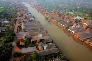 Ngắm nhìn 'cột khói trắng ngút trời' ở vương quốc gạch hơn 100 năm tuổi tại Vĩnh Long
