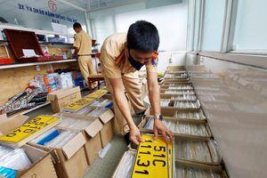 Hơn 84.000 ô tô ở TP.HCM chưa đổi sang biển số vàng