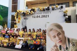 Trước ngày MV mới ra mắt, FC Đom Đóm mua hẳn một ngôi sao để mừng sinh nhật Jack