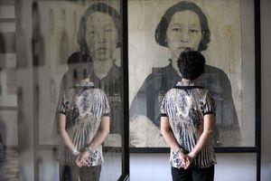 Trang tin Mỹ gỡ ảnh nạn nhân Khmer Đỏ bị vẽ thêm miệng cười