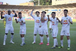 Hoàng Anh Gia Lai hạ Nam Định nghẹt thở trong trận cầu…7 bàn thắng