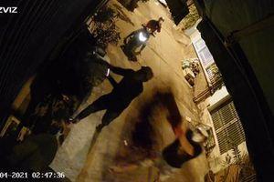 TP. HCM: Truy tìm nhóm người tạt sơn, mắm tôm vào nhà dân