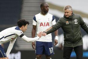 Man Utd 3-1 Tottenham: Tâm điểm những ý kiến giữa HLV Solskjaer và Mourinho về màn 'ăn vạ' của Son Heung Min