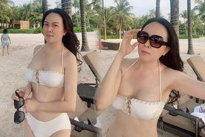 Doanh nhân Phượng Chanel tung ảnh bikini cực gợi cảm sau chia tay Quách Ngọc Ngoan