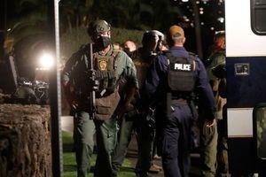 Mỹ: 'Binh sĩ Hải quân' nhốt mình trong phòng khách sạn rồi nổ súng loạn xạ