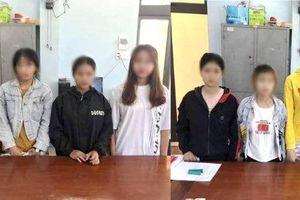 Giải cứu 8 nữ tiếp viên bị ép phục vụ khách trong quán karaoke
