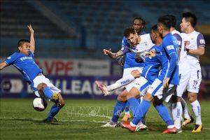 Nam Định và Hoàng Anh Gia Lai rượt đuổi tỷ số nghẹt thở, Hà Nội cắt đứt chuỗi trận thua