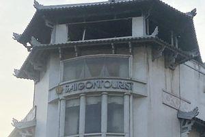Khách sạn Đồng Khánh bất ngờ cháy dữ dội trong cơn mưa