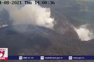 Núi lửa La Soufriere lại phun trào sau hơn 40 năm