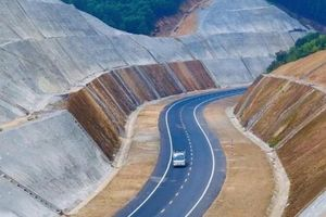 Cao tốc La Sơn - Túy Loan nỗ lực về đích trước tháng 6/2021