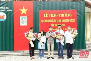 Trường THPT chuyên Lam Sơn trao thưởng cho học sinh giỏi Quốc gia và học sinh dự thi quốc tế năm học 2020-2021