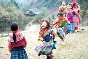Nâng cao nhận thức của cộng đồng, xã hội đối với quyền của trẻ em gái