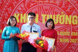 Khen thưởng em Đặng Lê Minh Khang được chọn vào Đội tuyển quốc gia thi Olympic Sinh học quốc tế 2021