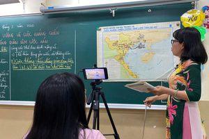 Dạy và học trực tuyến: Xu thế toàn cầu hóa và vấn đề đặt ra đối với Việt Nam