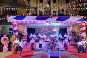 Lưu học sinh Lào tại Hà Tĩnh, Huế vui Tết cổ truyền Bunpimay