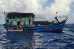 Cứu nạn kịp thời một thuyền trưởng tàu đánh cá bị nạn trên biển