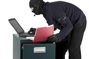 Ổ nhóm gây ra 15 vụ trộm két sắt sa lưới
