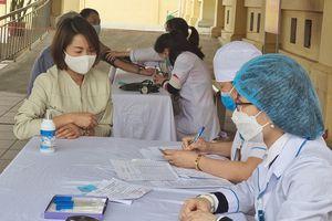 Việt Nam ghi nhận thêm 9 ca COVID-19