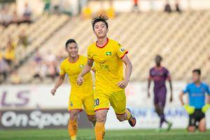 Kết quả V-League: CLB TP.HCM rơi chiến thắng, SLNA thoát nhóm nguy hiểm