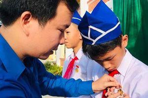 Trao tặng Huy hiệu 'Tuổi trẻ dũng cảm' cho học sinh Quảng Trị cứu người đuối nước