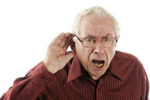 Kết hợp suy giảm thính giác và thị lực, tăng nguy cơ sa sút trí tuệ