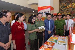 Khẳng định vai trò của sách, trong lực lượng Công an nhân dân