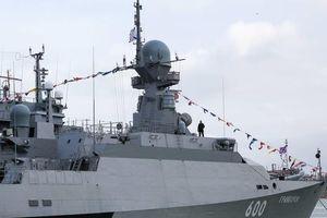 Tàu chiến Nga tiêu diệt thành công mục tiêu trên không của kẻ thù giả định