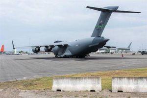 Máy bay quân sự Mỹ liên tiếp hạ cánh xuống Ukraine
