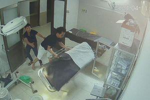 Bệnh nhân cùng người nhà hành hung bác sĩ, điều dưỡng