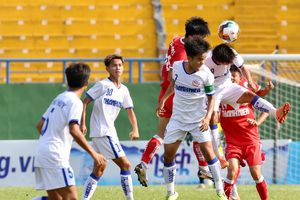 An Giang chỉ chống đỡ nửa trận trước nhà vô địch