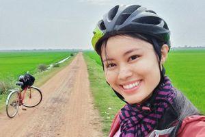 Nữ MC bỏ việc, đạp xe xuyên Việt: 'Tôi không quan tâm việc có nhà, xe'