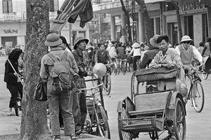 Cuộc sống ở Hà Nội năm 1973 qua ảnh của Horst Faas (1)